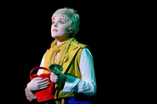 Niamh Perry in THE LITTLE PRINCE by Nicholas Lloyd Webber Photo