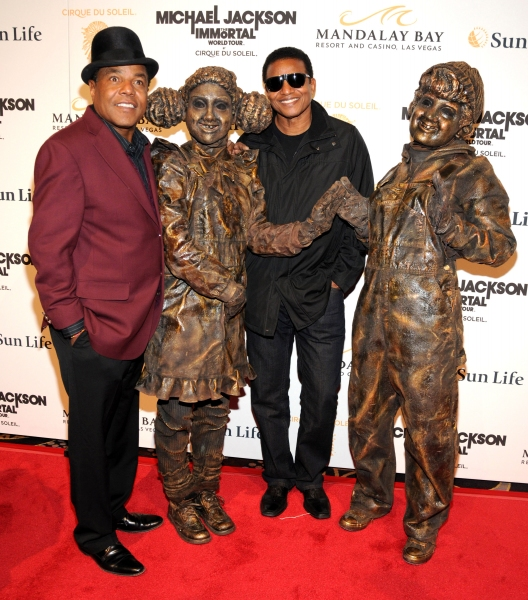Photo Flash: Michael Jackson THE IMMORTAL World Tour - Red Carpet!