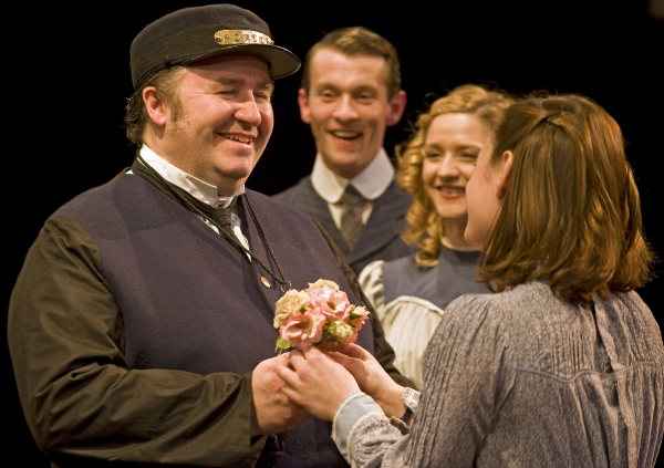 Photo Flash: The Railway Children at Waterloo Station Ends Run