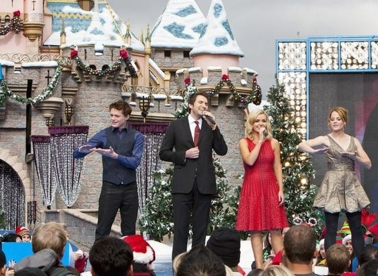 Nathan Pacheco & Katherine Jenkins at Photo Flash : First Look - Disney's CHRISTMAS DAY PARADE Performances