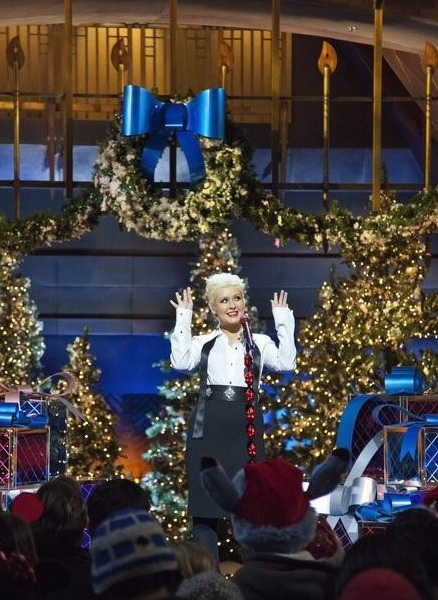 Christina Aguilera at Photo Flash : First Look - Disney's CHRISTMAS DAY PARADE Performances
