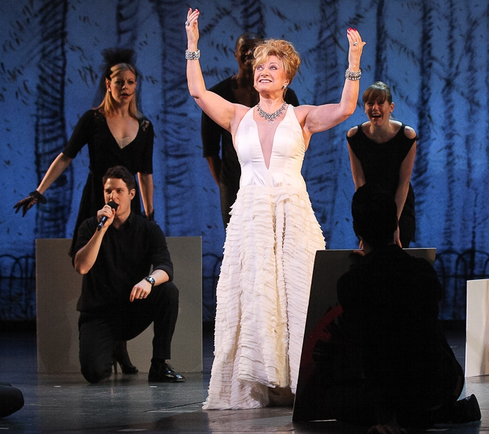High Res Elaine Paige and the cast of FOLLIES