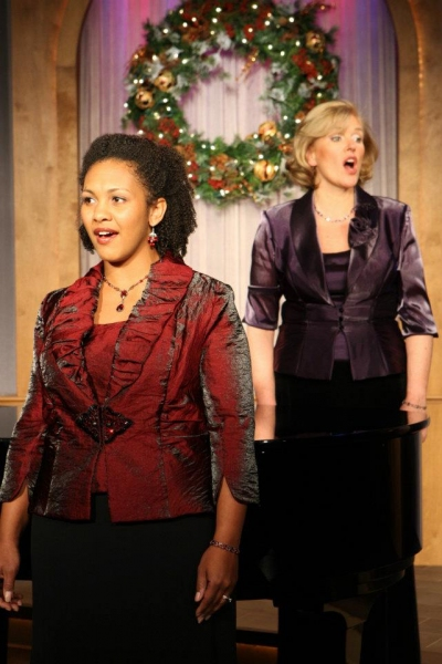 "Lindsey McKee and LaTeesha McDonald Jackson performs ""The First Noel"" Photo"