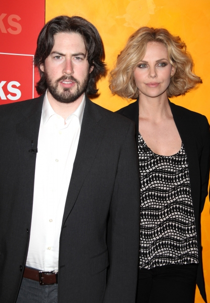 Backstage: Charlize Theron & Jason Reitman