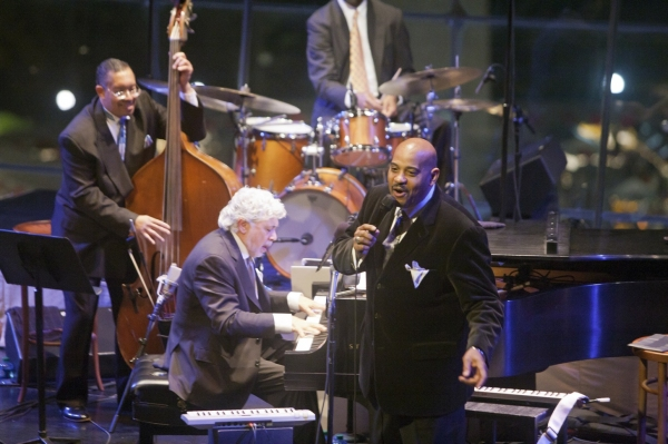 Photo Flash: Allan Harris Joins Jazz at Lincoln Center