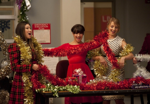 Photos and Audio: Tonight on GLEE- The New Directions Celebrate Christmas!