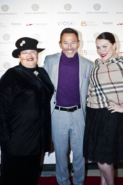 Singer/songwriter and Liza Minnelli performer Cortes Alexander (center) and his Swell Girls, Melissa Bailey (left) and Jennifer Rappo (right).