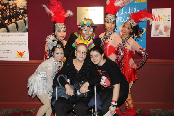Cirque Shanghai Bai Xi cast member with Jo Jo Lenzi and Reina Croce Photo