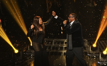 Melanie Amaro & R. Kelly at THE X FACTOR's Finale Performances