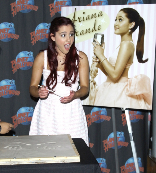 Photo Flash: Ariana Grande Celebrates New Single, 'Put Your Hearts Up,' in Times Square!