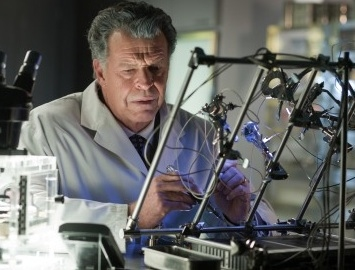 John Noble at Sneak Peek - Season 4 of Fox's FRINGE Premiering 1/13