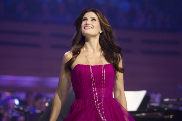 Idina-Menzel-to-Perform-IDINA-MENZEL-AND-FRIENDS-for-BBC-Radio-2-20010101