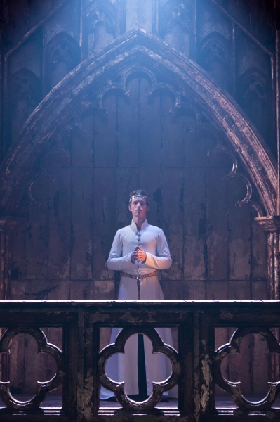 Photo Flash: First Look at Eddie Redmayne in Donmar Warehouse's RICHARD II