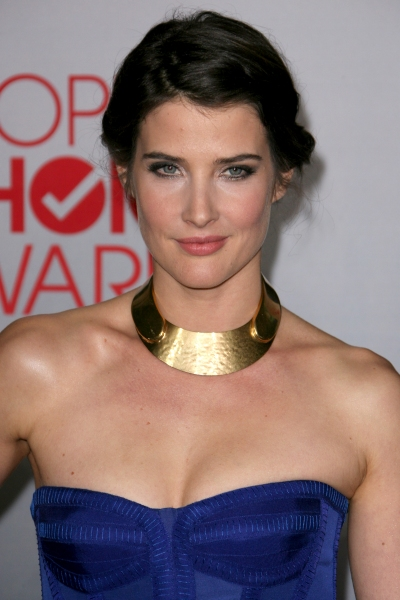 Cobie Smulders at Ewan McGregor, Jesse Tyler Ferguson, et al. at the 2012 People's Choice Awards
