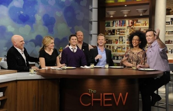 Michael Symon, Daphne Oz, David Burtka,, Mario Batali, Neil Patrick Harris, Carla Hall & Clinton Kelly at Sneak Peek - Neil Patrick Harris Featured on ABC's THE CHEW, 1/16