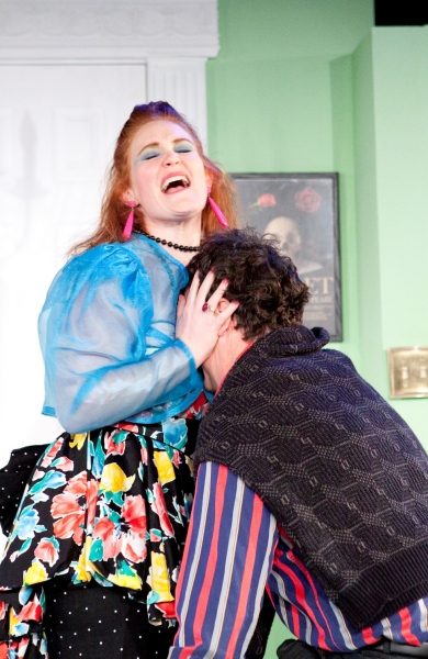 Kelly Reeves as Daphne and Chris Bleau as Garry