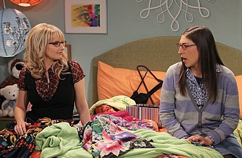 Melissa Rauch & Mayim Bialik at Sneak Peek - CBS's THE BIG BANG THEORY's 100th Episode, Airing 1/19