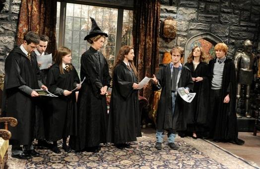 Kristen Wiig, Nasim Pedrad, Daniel Radcliffe, Abby Elliot, Taran Killam