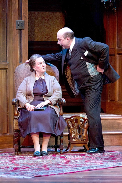 Photo Preview: THE MOUSETRAP At Walnut Street Theater