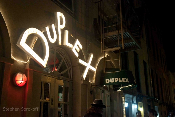 The Duplex at BWW Reviews: Colleen McHugh in HAIL BARRY FOR THE LOVE OF MANILOW at the Duplex