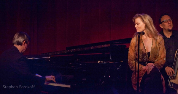 Photo Coverage: Tierney Sutton Plays Birdland