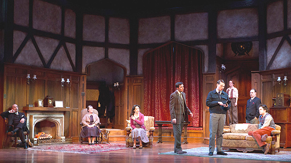 BWW Reviews: The Walnut Street Theater Opens THE MOUSETRAP - A Surprisingly Wild Ride