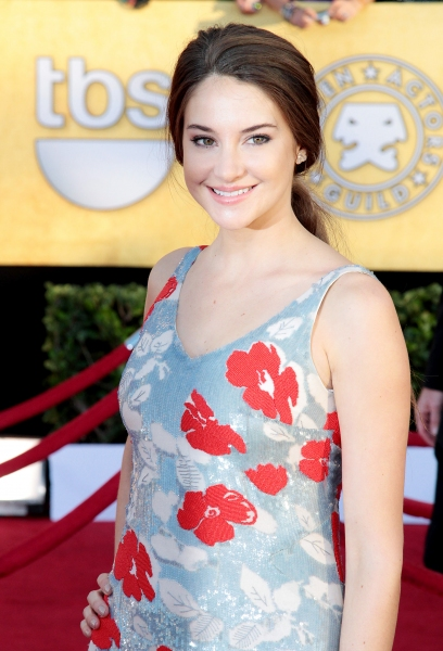 Shailene Woodley pictured at the 18th Annual Screen Actors Guild Awards - arrivals held at the Shrine Auditorium and Exposition Center in Los Angeles, CA on January 29, 2012 © RD / Orchon / Retna Digital at Viola Davis, GLEE & More on the SAG Red Carpet!