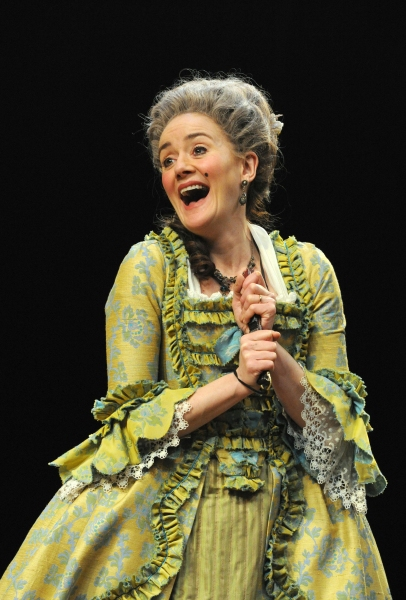 Sophie Thompson in SHE STOOPS TO CONQUER At National Theatre