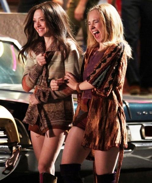 Amanda Seyfried & Juno Temple