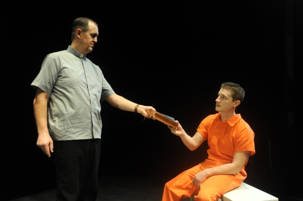 BWW Reviews:  Curious Theatre's 9 CIRCLES - a Compelling Ensemble!