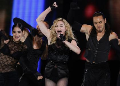SOUND-OFF-America-Luvs-Madonna-20010101