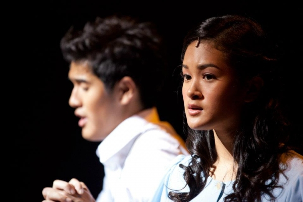 Nathan Hartono, Julia Abueva at StageTube:  SPRING AWAKENING Opens in Singapore, 2/4-26