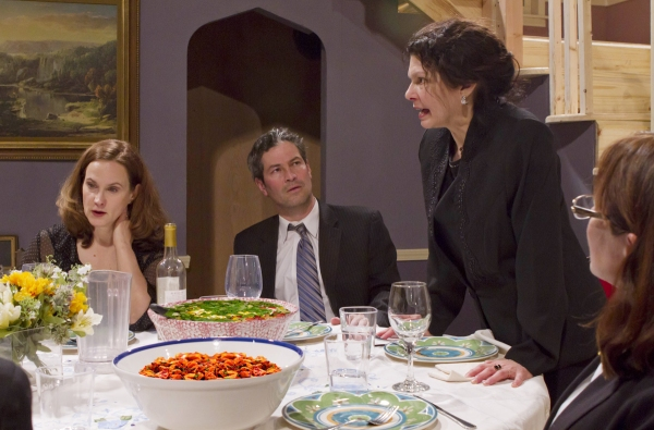 Barbara (Diane Kondrat), Bill (Bill Simmons), Violet (Martha Jacobs) and Ivy (Gail Bray – foreground)
