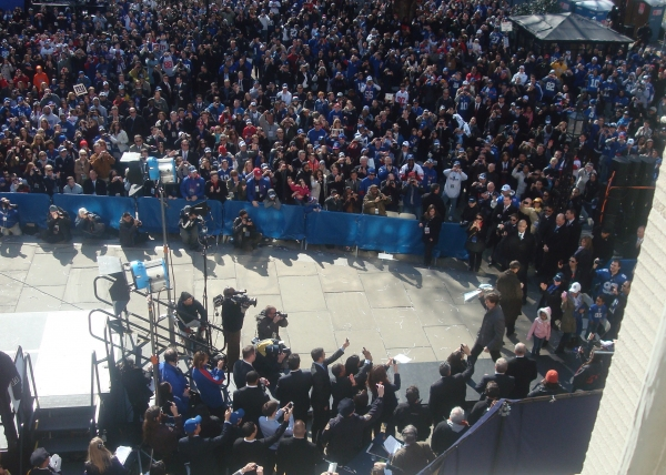 MVP Eli Manning takes a victory lap at Go Giants! ROCK OF AGES Plays the Super Bowl Parade!