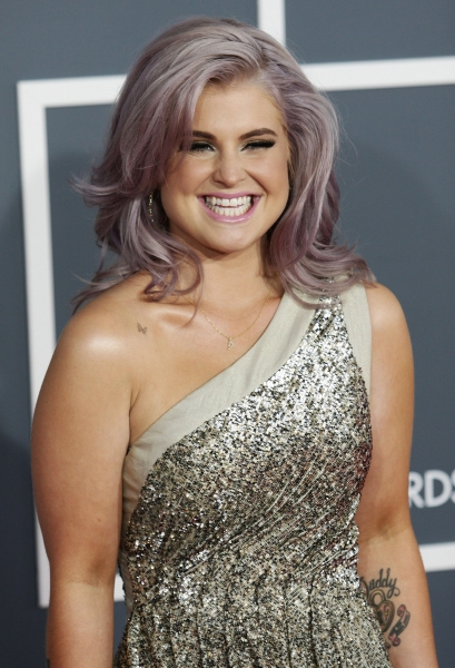 Kelly Osbourne at 2012 Grammy Awards- Red Carpet Coverage!