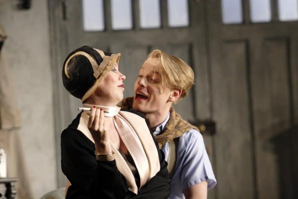 Olivia Colman) and Freddie Fox