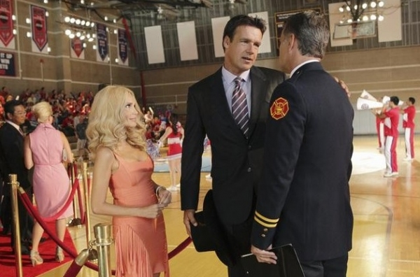 Kristin Chenoweth, David James Elliot & Boo Arnold at New Photos of Kristin Chenoweth in ABC's GCB