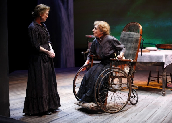 Johanna Leister (Kate Mayo) and Patricia Conolly (Mrs. Atkins) in Eugene O'Neill's BE Photo