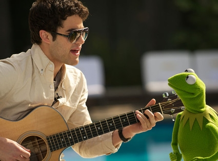 Photo Flash: Darren Criss Sings a Duet With Kermit the Frog!