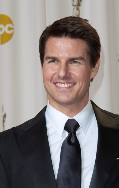 Tom Cruise at 2012 Academy Awards - The Winners!