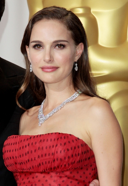 Natalie Portman at 2012 Academy Awards - The Winners!