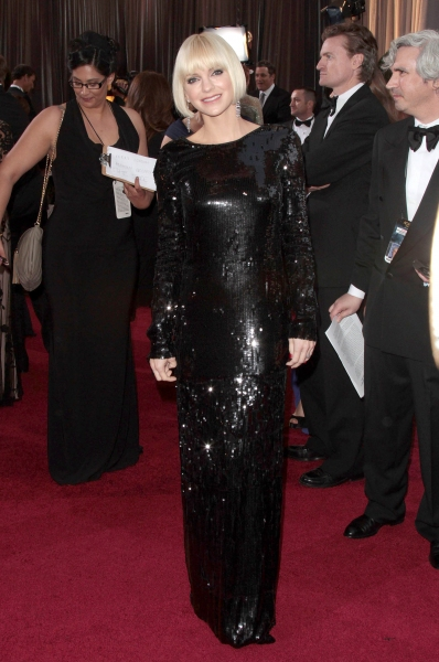 Anna Faris at 2012 Academy Awards - Red Carpet Part 1