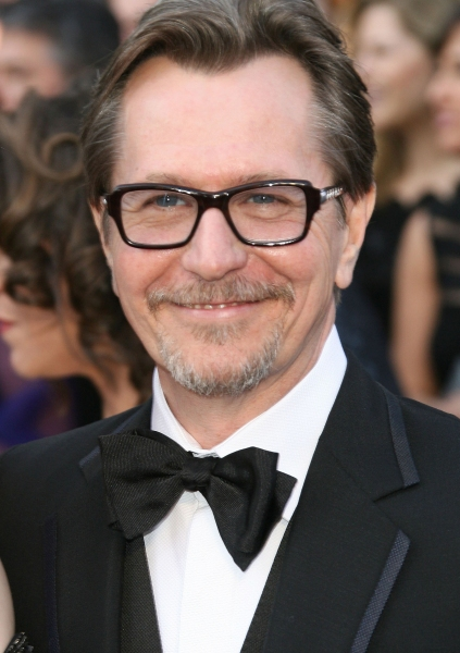 Gary Oldman at 2012 Academy Awards - Red Carpet Part 2