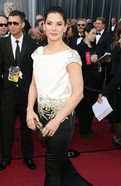 Sandra Bullock at 2012 Academy Awards - Red Carpet Part 2