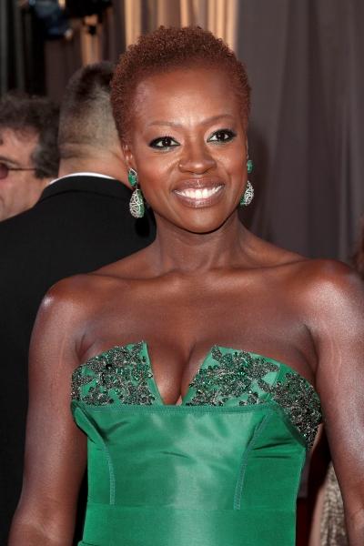 Viola Davis at 2012 Academy Awards - Red Carpet Part 2