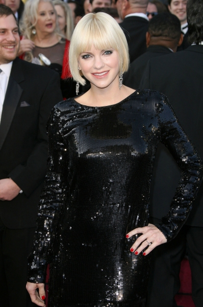 Anna Faris at 2012 Academy Awards - Red Carpet Part 2