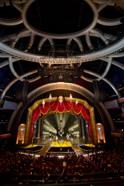 Photo Flash: CIRQUE DU SOLEIL at the Academy Awards 2012