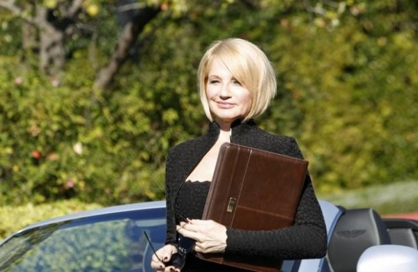 Photo Flash: First Look - Bobby Cannavale, Ellen Barkin Guest Star on ABC's MODERN FAMILY