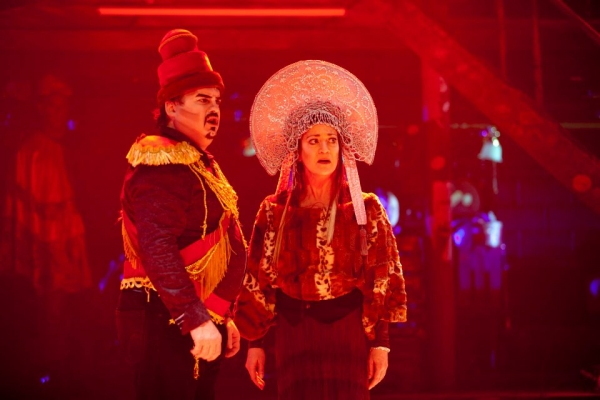 Photo Flash: First Look at Signature Theatre's BROTHER RUSSIA