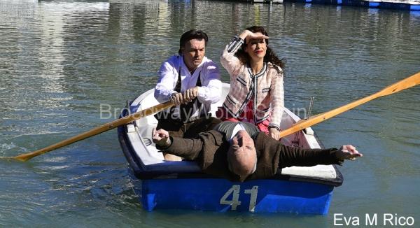 Antoni Comas, Maria Rey-Joly y Paco Mir buscando el puerto
